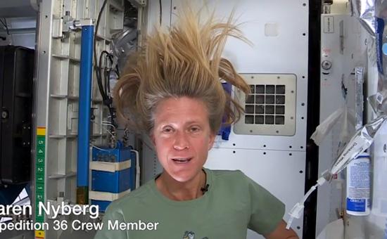 Как помыть волосы в Космосе