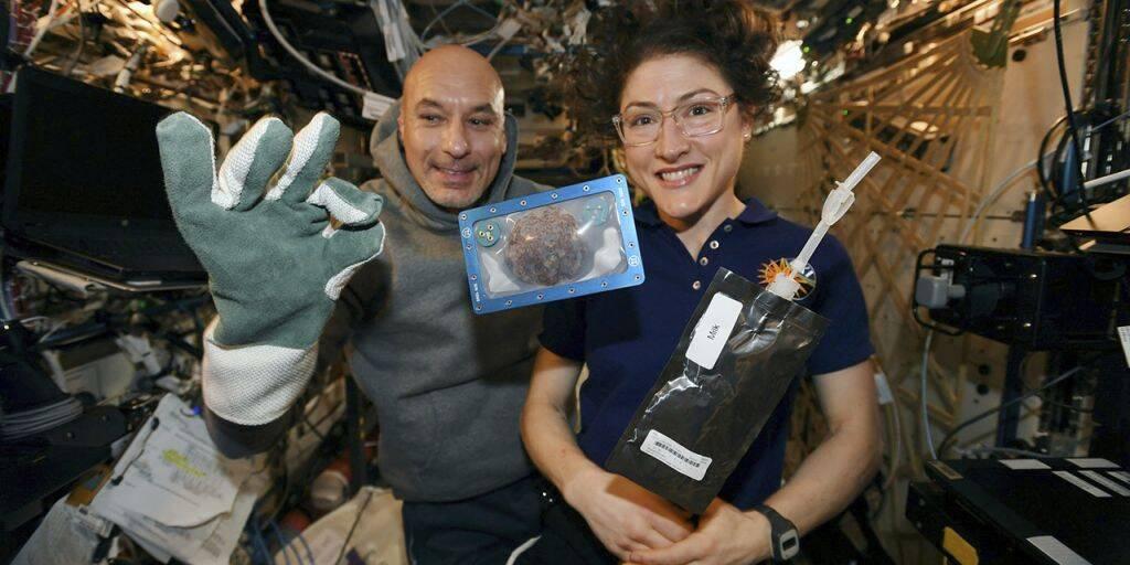 На МКС выпекли первое печенье