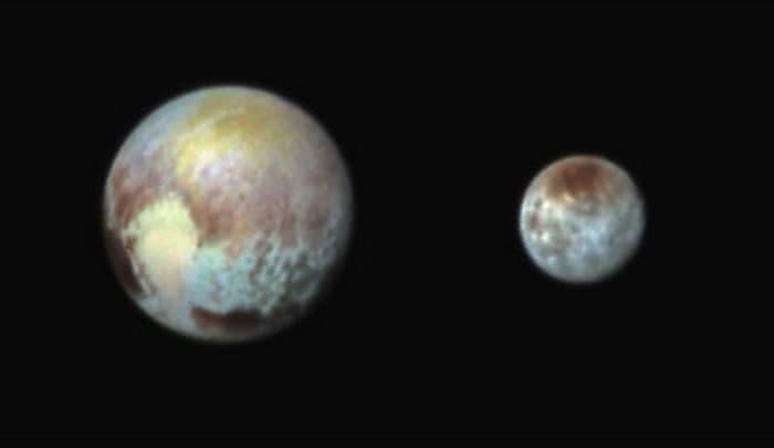 Плутон технически представляет собой двойную систему